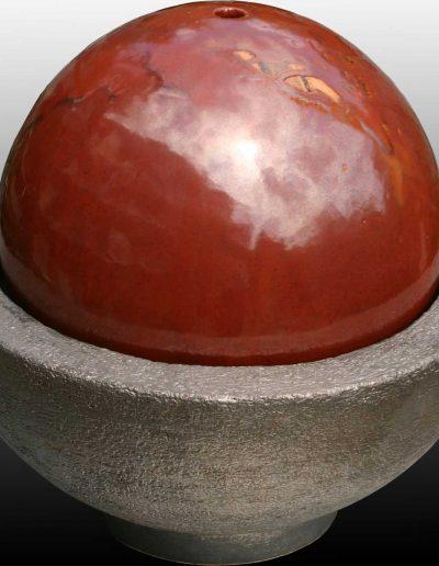 Zimmerbrunnen, Wasserbehälter messing-farben, Kugel rotbraun